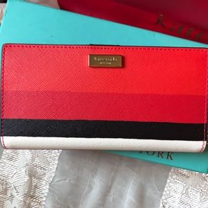 NWT Stacy Laurel Way Bonita Stripe Wallet WLRU4891
